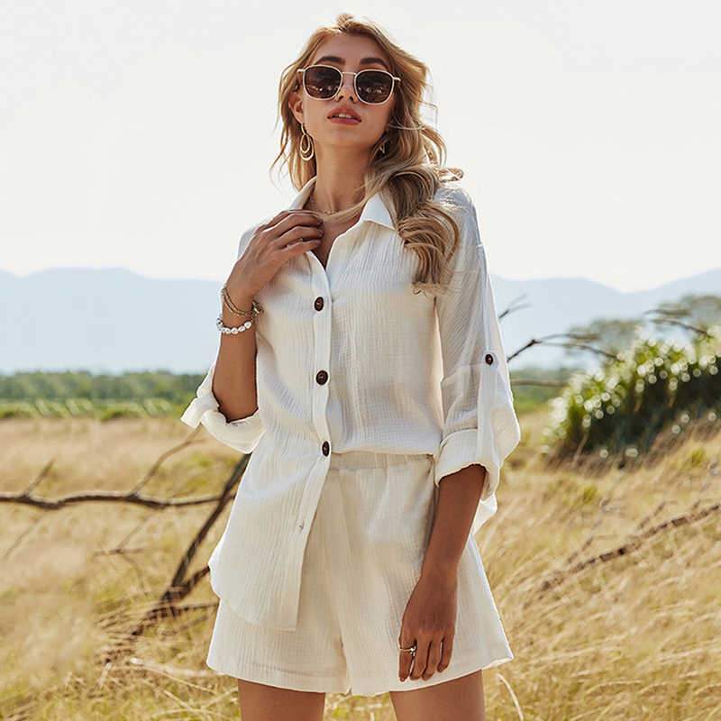 Everything to Know About How & Where to Buy Women's Wholesale Clothing